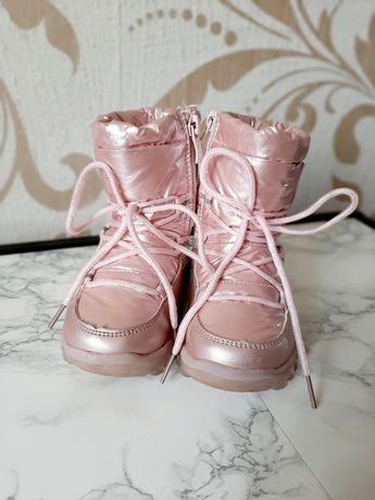 Дитячі зимові чоботи для дівчинки