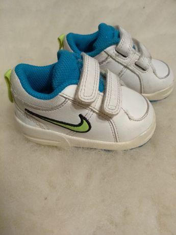 Buciki Nike rozmiar 18,5