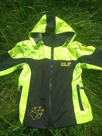 Три в одном ветровка, толстовка, куртка унисекс в идеальном состоянии
