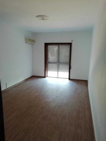 Aluga-se Apartamento T3 - ELVAS