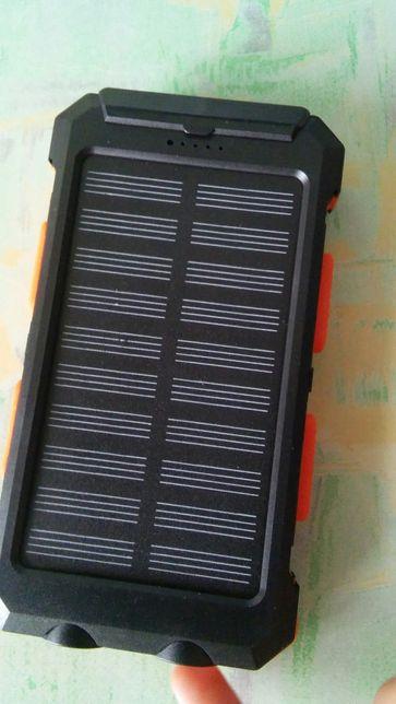 Павербанк на сонячній батареї