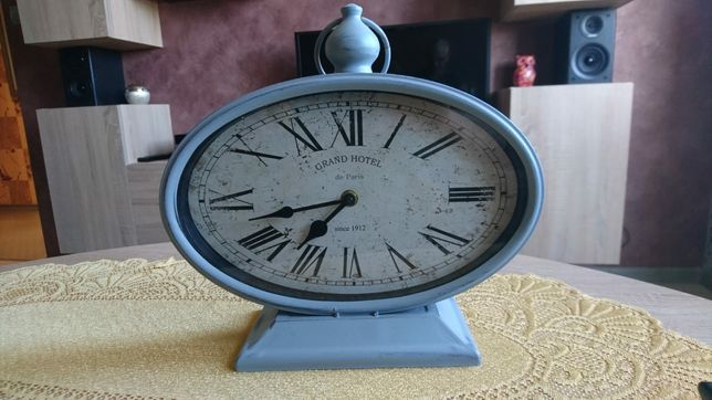 Zegar stołowy, analogowy