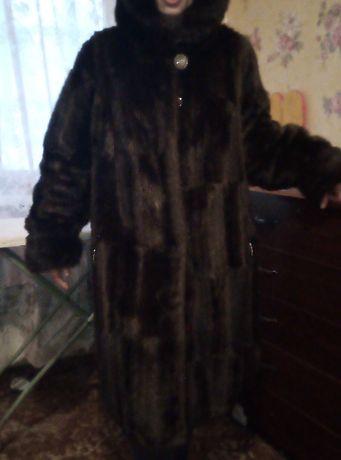 Продам зимнею женскую шубу под норку