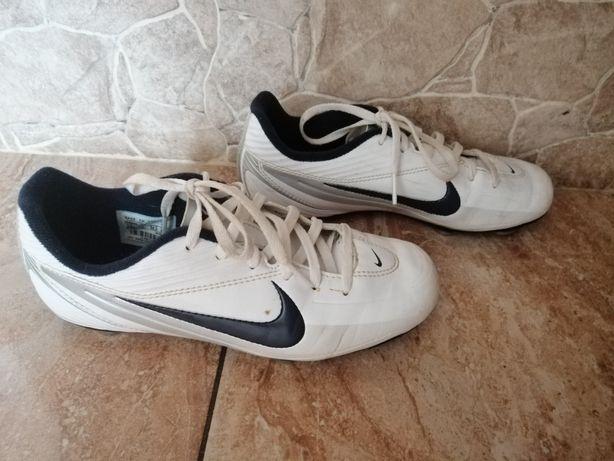 Nike 35.5 buty piłkarskie korki