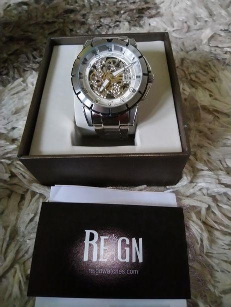Zegarek analogowy marki Reign