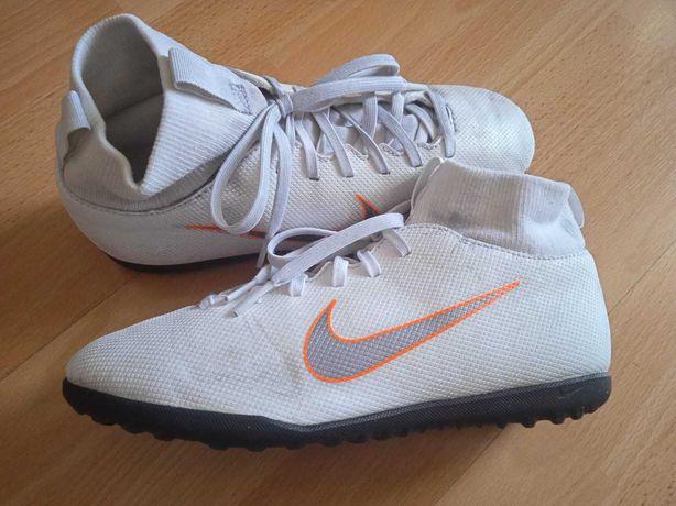 Buty piłkarskie Nike Mercurial rozm. 37,5