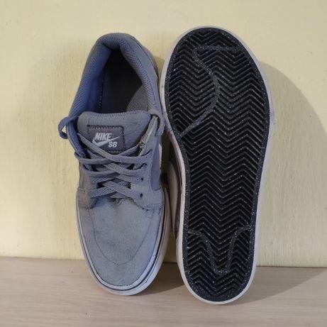 Кросівки/кеди Nike SATIRE II BG 729810-001