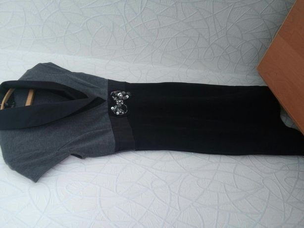 Продаю платье офисного стиля