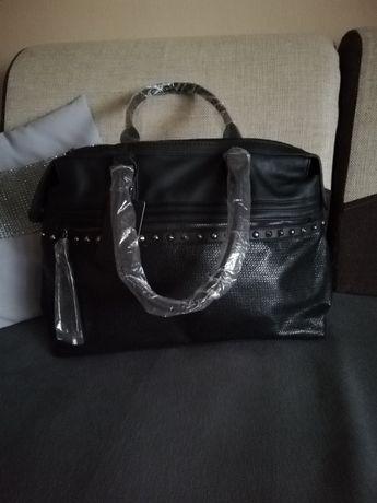 Nowa czarna torebka mieszcząca a4
