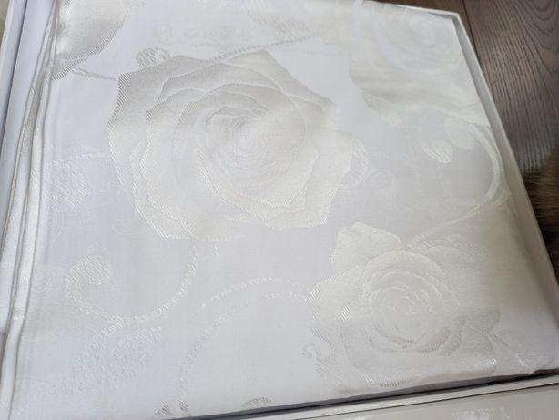 Постельное белье, жаккард полуторное, белое