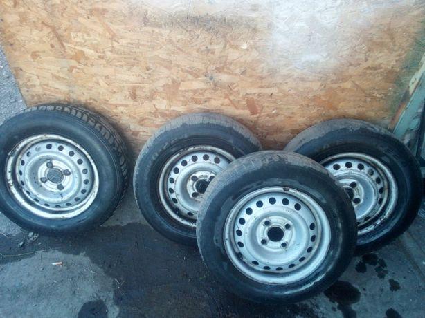 Продам комплект шины Диски r13 4-100