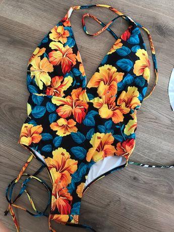 Модный яркий купальник Цветочный принт