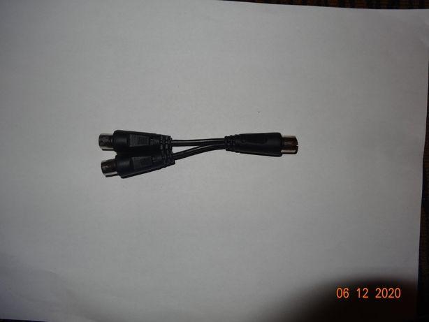 Rozgałęźnik, trójnik antenowy wtyk IEC (TV) - 2x gniazdo IEC (TV)