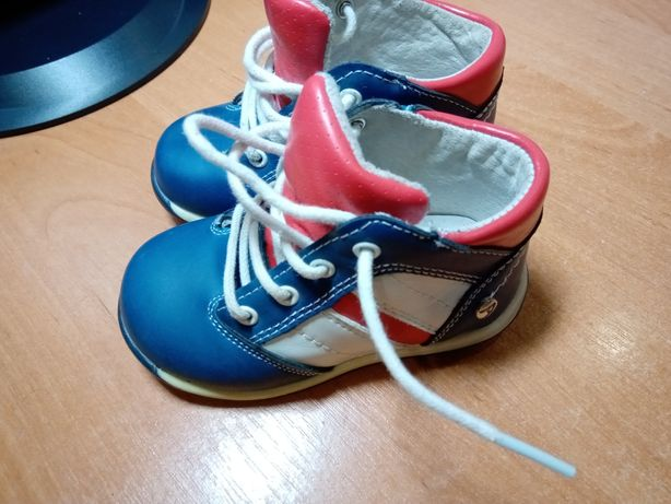 Дитячі туфельки, ботіночки