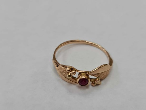 Klasyczny złoty pierścionek damski/ 583/ 2.20 gram/ R20/ Cyrkonia