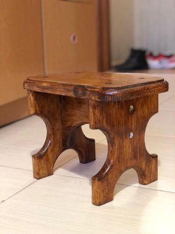 Табурет деревянный