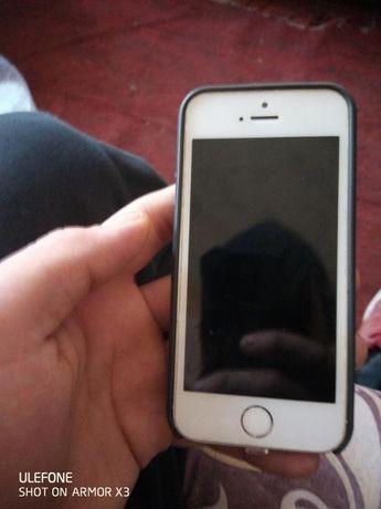 iPhone 5s 16g В отличном состоянии, Айклауд мой!