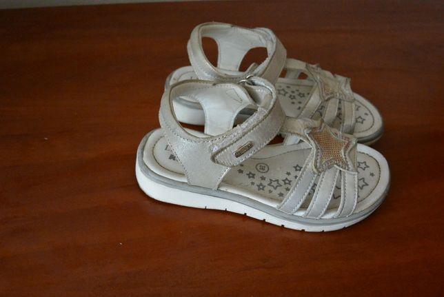Sandały, paski r. 26 Lasocki