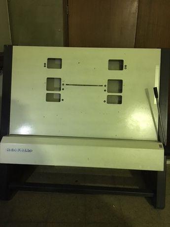 Maquina Heidelberg de furar e dobrar chapas offset