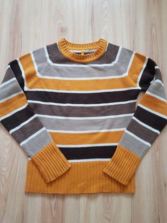 Ciepły sweter firmy Terranova rozm L. Stan Bardzo Dobry