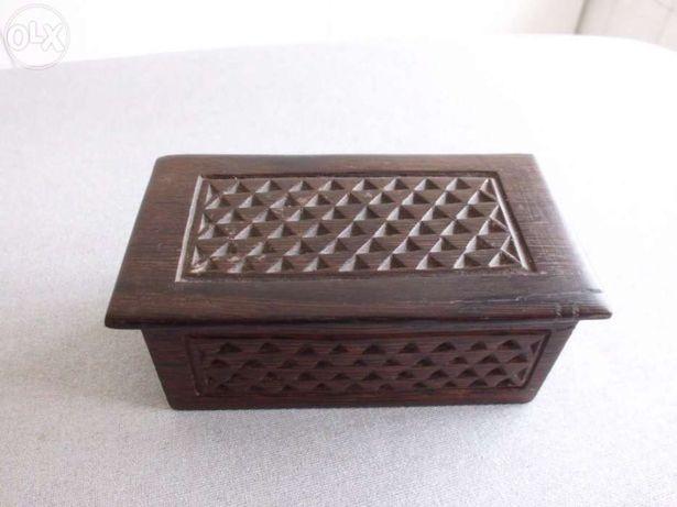 Caixa de madeira artesanato africano