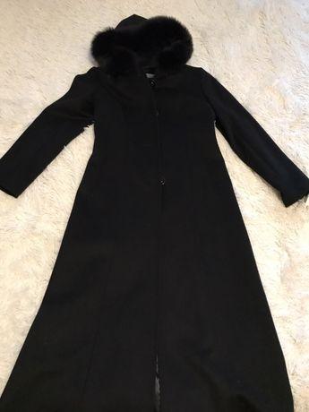 Женское пальто . Чёрное.
