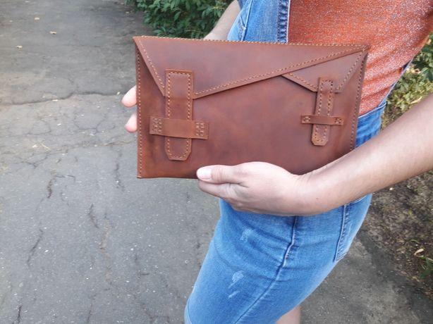 Кожаный чехол-конверт для планшета ручной работы