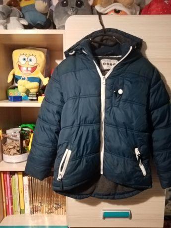 Sprzedam kurtkę zimowa bardzo ciepła  rozmiar 6-7 lat 128/134