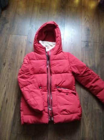 Czerwona kurtka zimowa