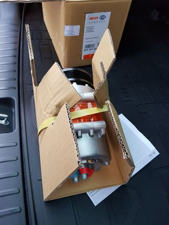 Sprzedam sprężarkę/kompresor klimatyzacji do Forda