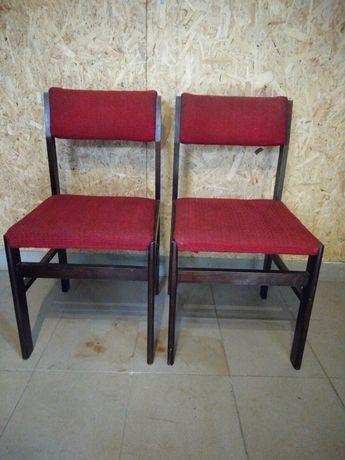 Krzesła PRL do odnowienia