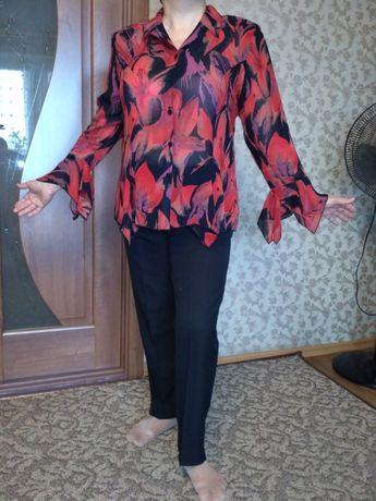 Блуза женская нарядная 50 р. б/у
