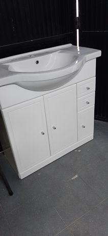 Movel wc lacado com lavatório