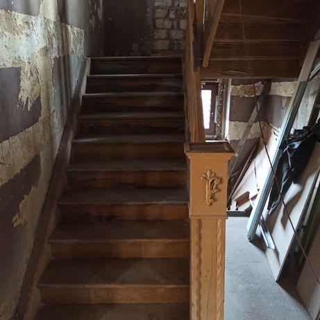 Schody sosnowe do renowacji i demontażu