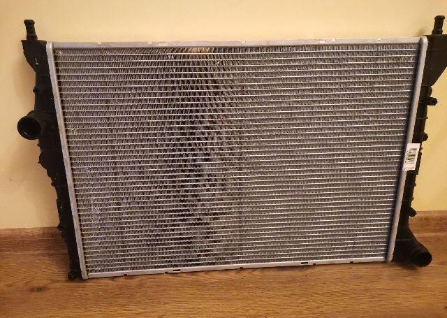 Основной радиатор охлаждения двигателя Радіатори Alfa romeo gt 1,9