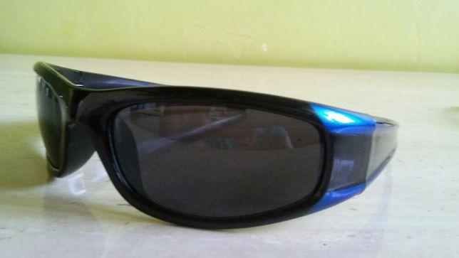 Okulary przeciwsłoneczne Cross. Znak CE