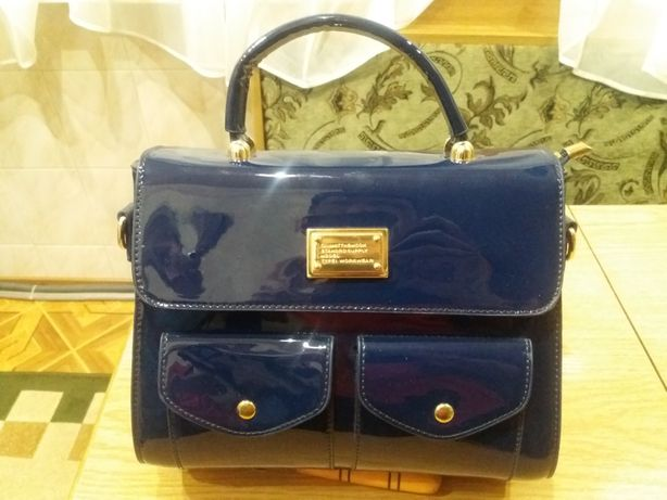Продам женскую сумку YIRUI