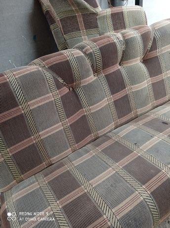 Диван и 2 кресла в хорошем состоянии
