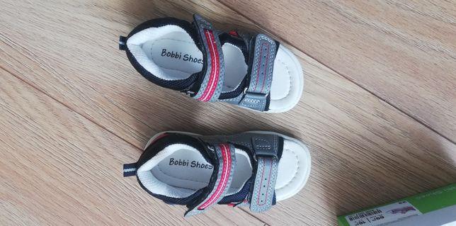 Sandałki Bobbi Shoes rozmiar 22