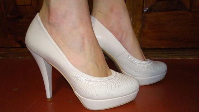 Продам кожаные туфли 38 р