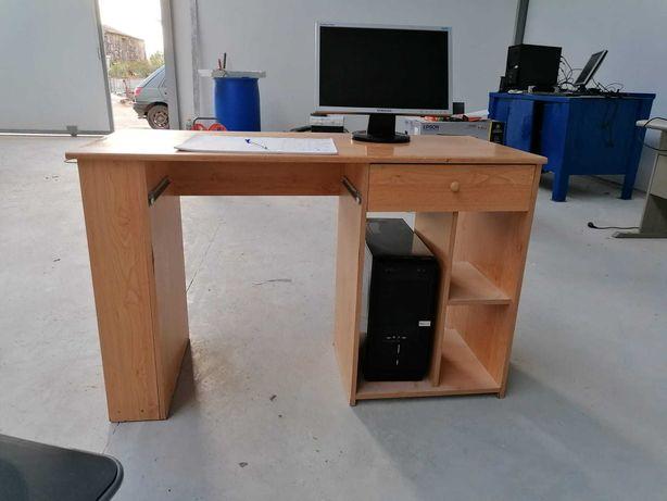 Secretaria de madeira