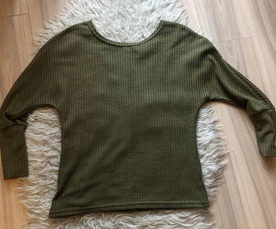 Zielony sweter ze ściągaczami nowy oversize