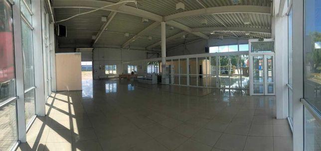 Аренда фасадного помещения  402,7 м2 , 120 грн/1 м2 с НДС , Черкассы .