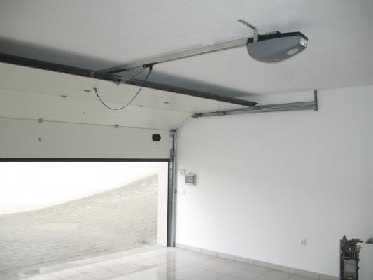 Montagem de portas de garagem