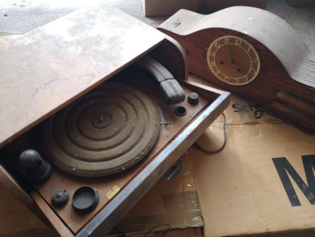 Stary gramofon SUPRAPHONE + zegar