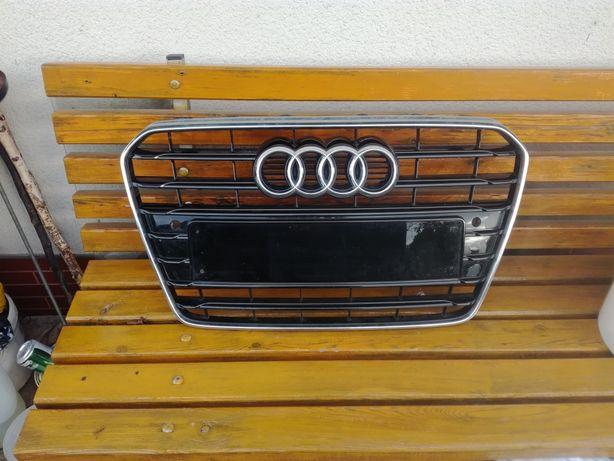 Audi A5 atrapa od 2012 roku po liftingu