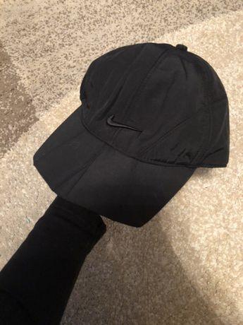 Ciepła czapka z daszkiem Nike