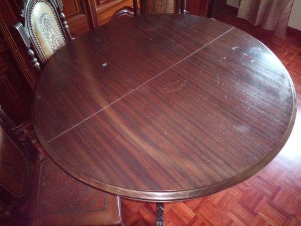 Mesa de Sala de Jantar + 4 cadeiras