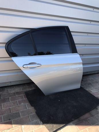 Drzwi prawe tylne BMW f30 /srebrne / A83