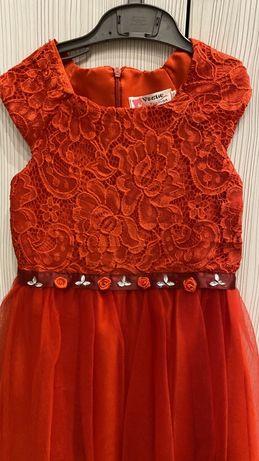 Платье нарядное, рост 110